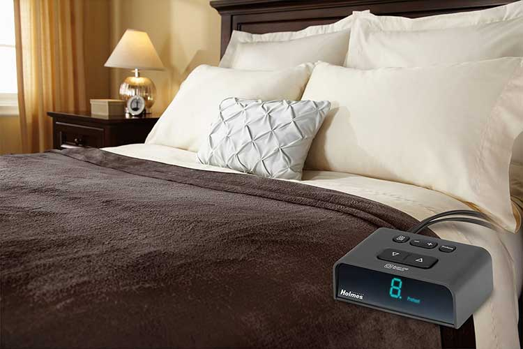 Best Electric Blankets 40 Warm And Cozy All Year Long Delectable Cannon Electric Throw Blanket